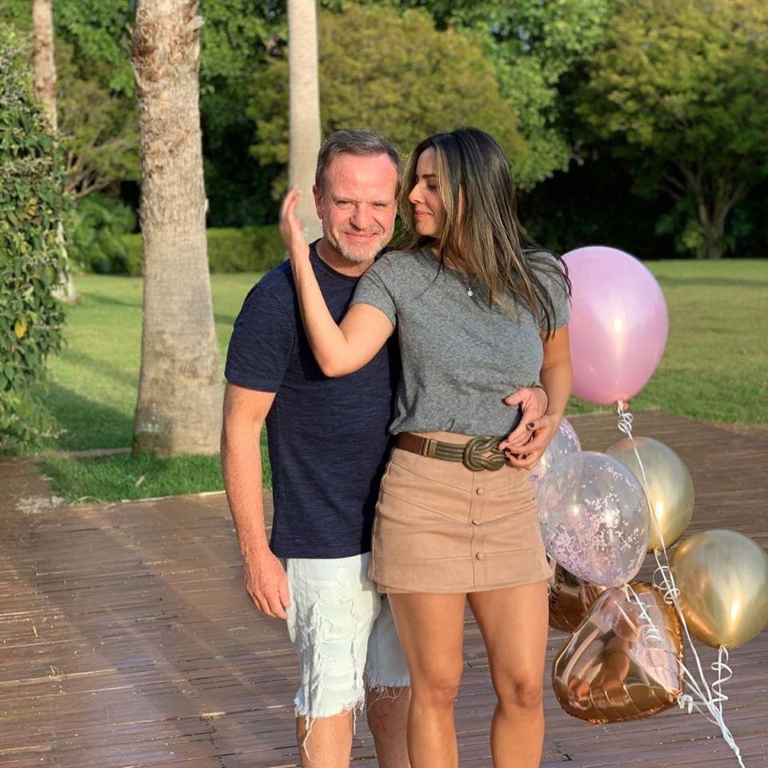 Barrichello assume namoro com a apresentadora Paloma Tocci