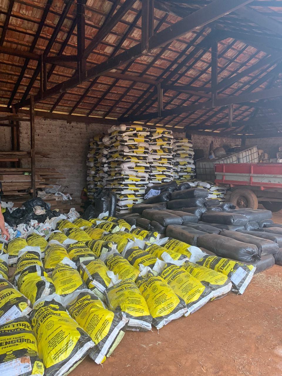 Polícia Civil recupera parte de carga de ração de empresa vítima de estelionato