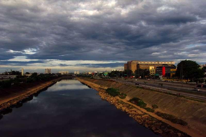 Pandemia reduz poluição e Rio Tietê apresenta melhora, diz SOS Mata Atlântica