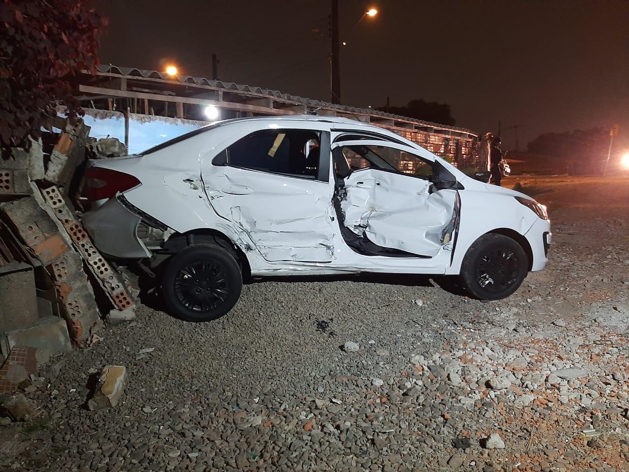 Paraná: Trem arremessa carro em cruzamento fatídico e motorista alega que não houve alerta sonoro