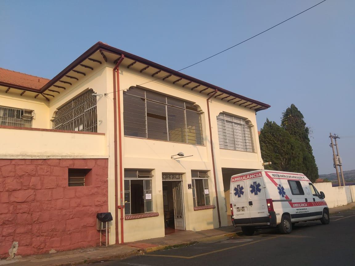 Jacarezinho: Bombeiros evitam suicídio de paciente que ameaçava pular do telhado da Santa Casa de Jacarezinho