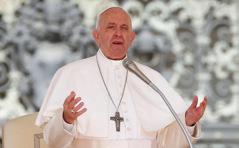 Papa Francisco e Bento 16 tomam primeira dose de vacina contra o coronavírus