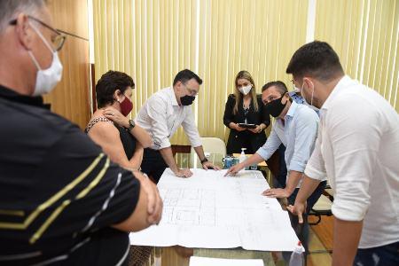 JACAREZINHO: MUNICÍPIO GARANTE APOIO À PROJETO PARA CONSTRUÇÃO DE NOVA CLÍNICA DE FISIOTERAPIA DA UENP