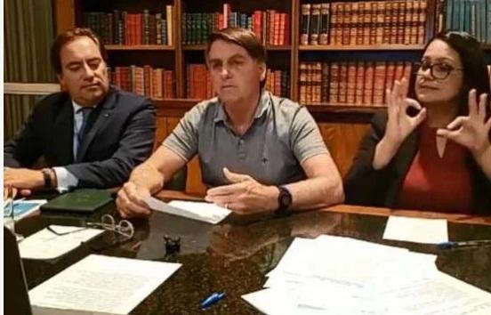 Em dia de recorde de mortes por covid-19, Bolsonaro volta a criticar uso de máscaras