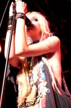 Taylor-Momsen-Pretty-Reckless-003