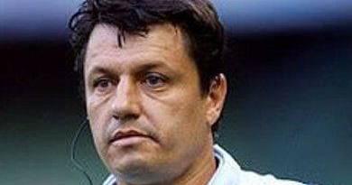Cruzeiro demite o técnico Adilson Batista após nova derrota no Mineiro