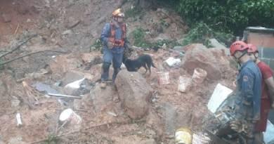 Número de mortos após fortes chuvas na Baixada Santista sobe para 43