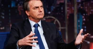 Bolsonaro reúne médicos para discutir sobre confinamento e cloroquina