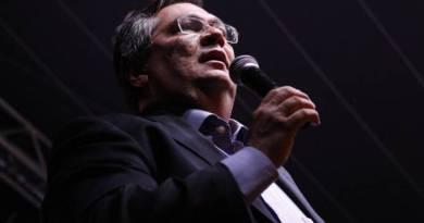 'Brasil troca comando do navio no meio da tempestade', diz Dino