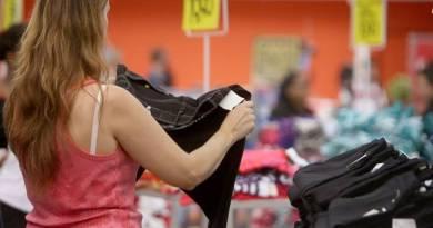 Dia das Mães em agosto é visto com ressalvas por lojistas