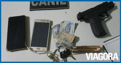 PM prende dupla de assaltantes com arma falsa em Teresina