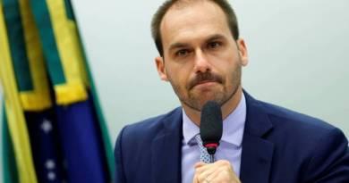 Celso de Mello envia à PGR pedido de investigação contra Eduardo Bolsonaro por 'subversão da ordem política'