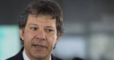 """Haddad comenta adiamento das denúncias sobre Queiroz pela PF durante eleições: """"FRAUDE!"""""""