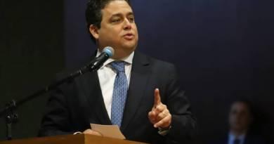 Sigilo do vídeo na investigação de Bolsonaro racha cúpula da OAB