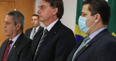 Alcolumbre cansou do papel de mediador das crises com Bolsonaro