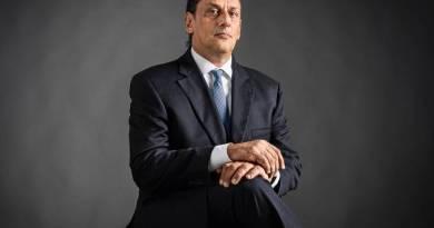 'Conheço tudo na família Bolsonaro', dizia advogado que abrigou Queiroz