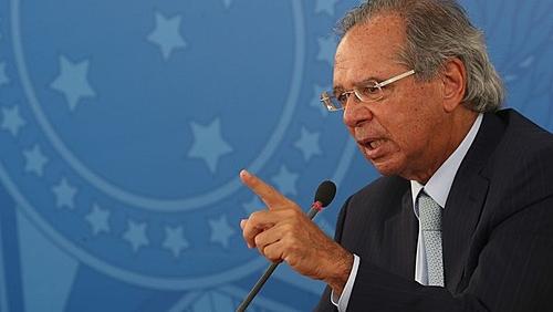"""Em audiência no Congresso, Guedes desvia de críticas e fala em """"otimismo"""" econômico"""