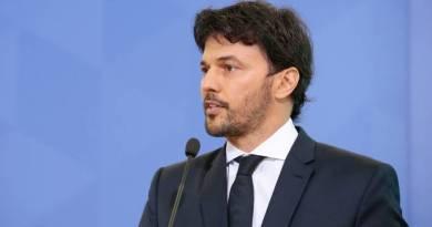 Mercado financeiro aplaude discurso moderado de Fábio Faria