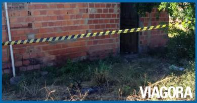 Homem é morto com várias facadas dentro de residência em Teresina