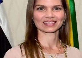 Natália Mandarino assume comando da Secretaria Municipal de Saúde