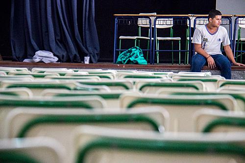 No Rio, professores anunciam greve caso prefeitura convoque atividades presenciais