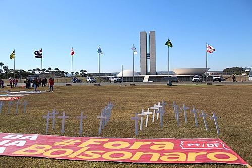 Para juristas, Bolsonaro cumpre todos os requisitos para sofrer impeachment