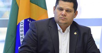 Advocacia do Senado aponta ao STF brecha legal para reeleição de Alcolumbre e Maia