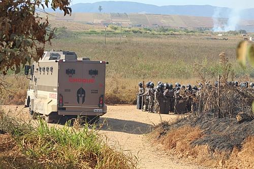 Após 60 horas de resistência, famílias do MST são despejadas com violência em MG