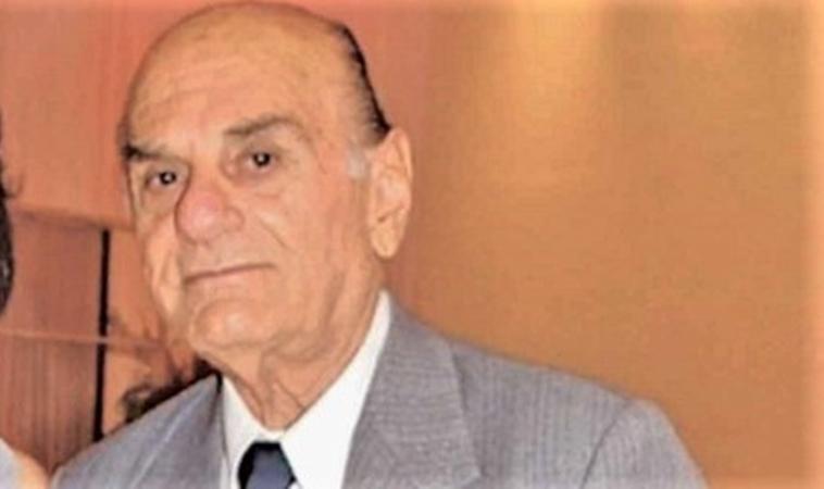 Médico oftalmologista, Mansueto Martins