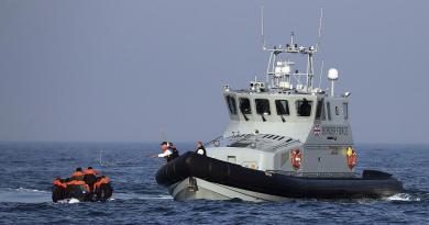 Migrantes: Do Mediterrâneo para o Canal da Mancha