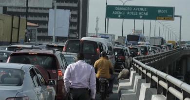 Obras em ponte desesperam condutores de Lagos