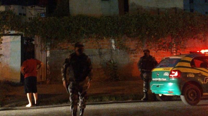 Polícia Militar no local da queda