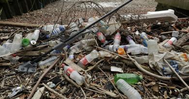 Praias sem resíduos plásticos