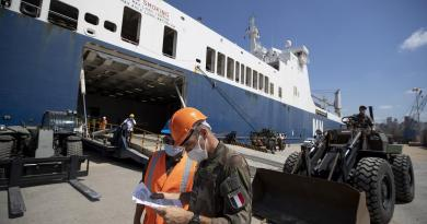 Segundo navio francês com auxílio já chegou a Beirute