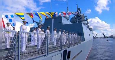 Vladimir Putin quer aumentar capacidade de combate da marinha