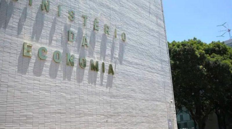Governo economizou cerca de R$ 1 bi com trabalho remoto de servidores, diz Ministério da Economia