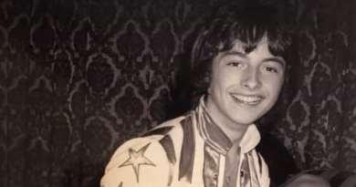 Ian Mitchell, ex membro dos Bay City Rollers, morre aos 62 anos