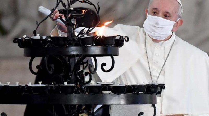 Papa condena ataque 'selvagem' a uma igreja na França