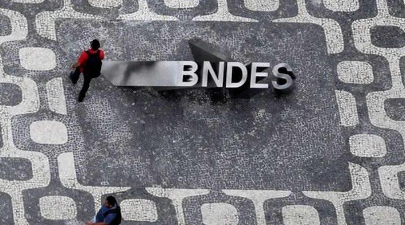 Estatais têm salários médios de até R$ 31 mil, 13 vezes a média do brasileiro
