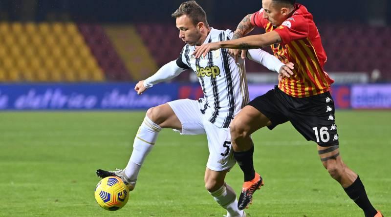 Juventus cede empate ao Benevento e perde chance de encostar na liderança