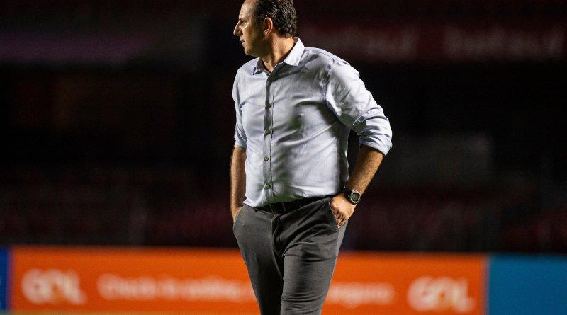 Muito especial, diz Ceni após primeiro título brasileiro como treinador