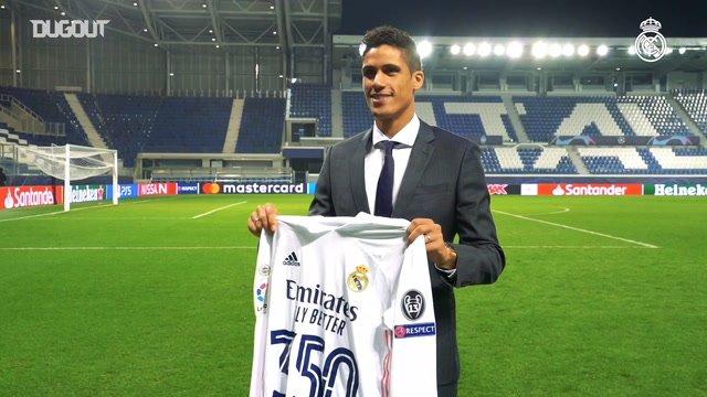 """Varane é homenageado por 350 jogos no Real Madrid: """"uma noite especial"""""""