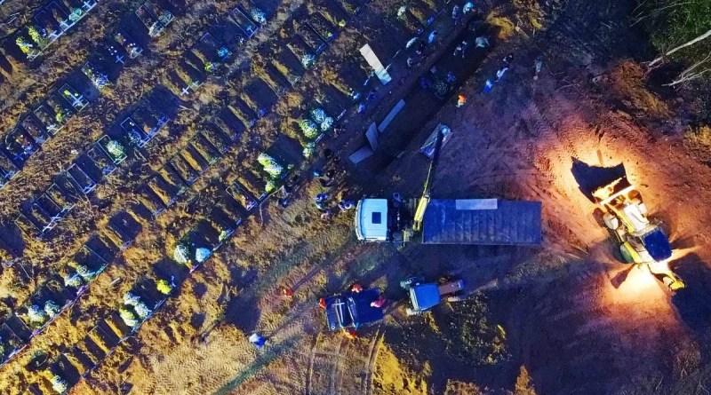 Brasil tem 4.195 mortes por covid em 24 horas e mantém escalada da pandemia