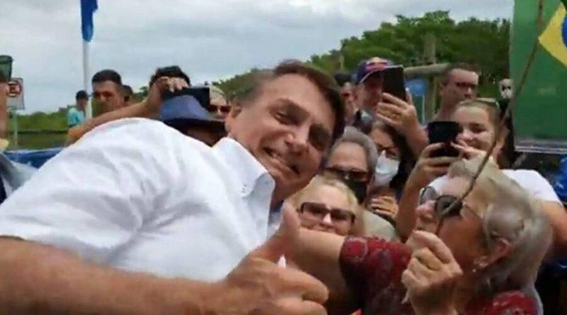 Bolsonaristas usam duplo padrão para contabilizar vacinados e mortos de Covid