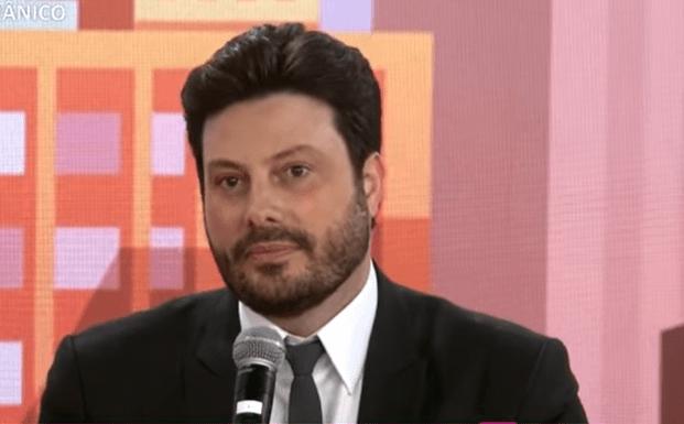 Danilo Gentili testa positivo para Covid 19: 'Conto com as orações de vocês' – Jovem Pan