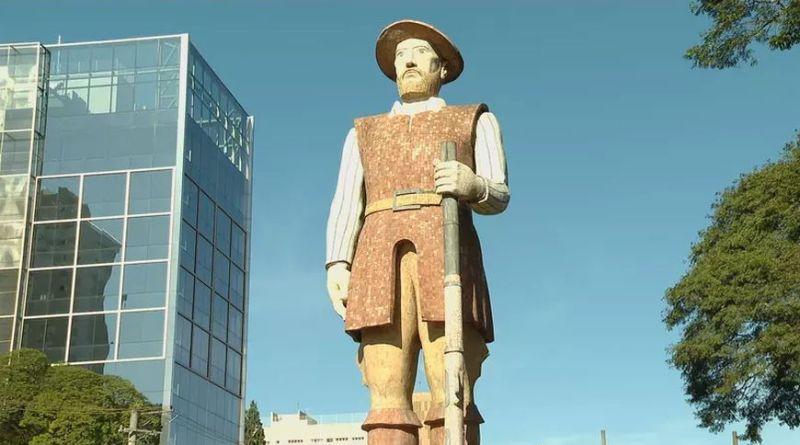A estátua de Borba Gato e seus incendiários   Hora do Povo