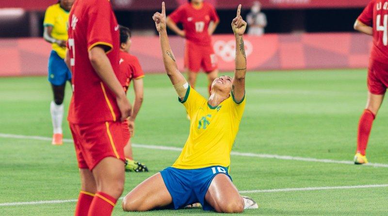 Bia Zaneratto, do Palmeiras, se destaca em goleada da Seleção Feminina