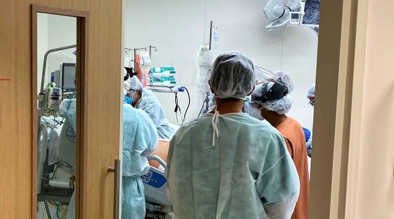 Covid 19 recua no Brasil, mas OMS alerta: 'Está longe o fim da pandemia'