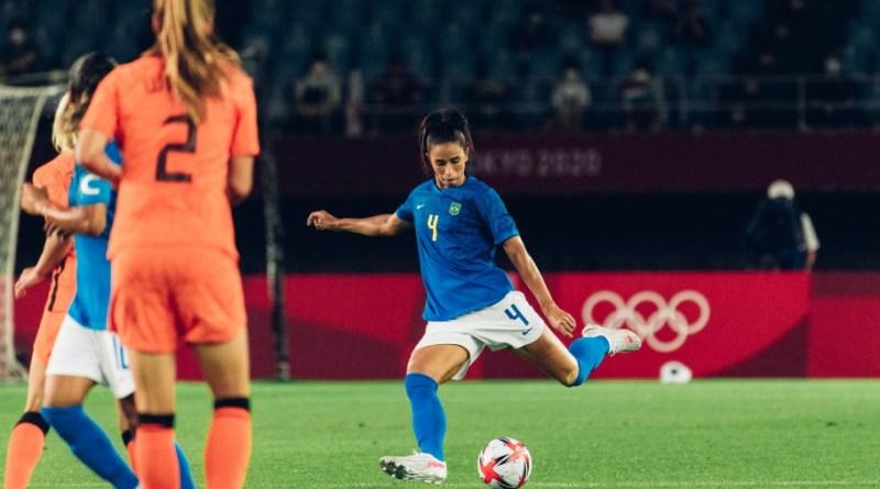 Rafaelle destaca união da Seleção Feminina e crê em boa performance contra a Zâmbia