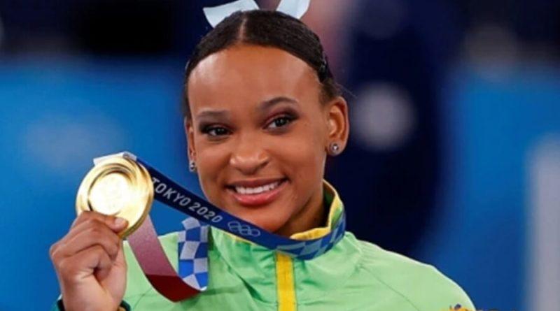 Rebeca leva ouro no salto e é a 1ª brasileira com duas medalhas na mesma Olimpíada